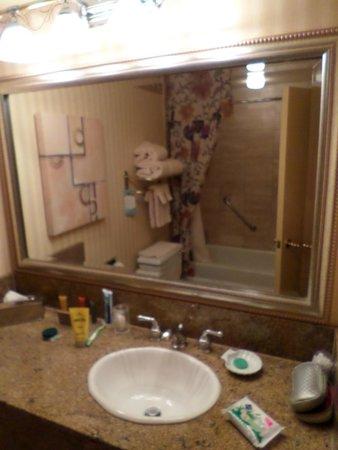 Golden Nugget Hotel & Casino: Bathroom2