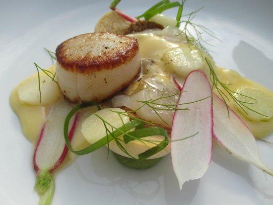 Restaurant Envy: small plate- scallop