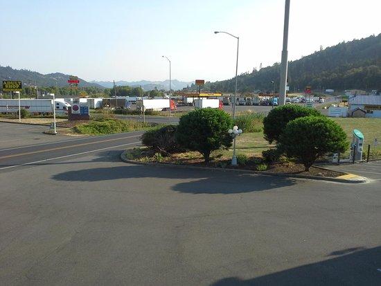 Rodeway Inn Rice Hill : Truck Stop