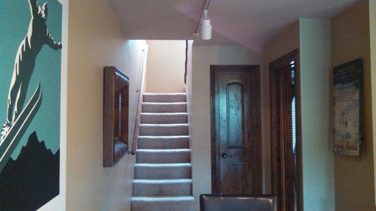 Simba Run Vail Condominiums: stairway in unit