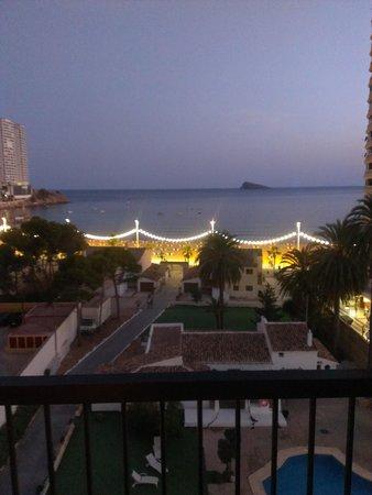 Apartamentos Oasis Benidorm : view from our hotel