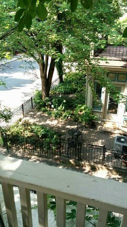 Avalon Bed & Breakfast : Pewter Room balcony view onto quiet, tree-lined street and neighbour's yard.