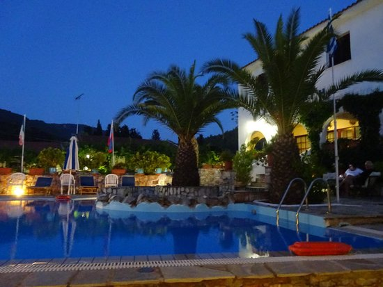 Afrodite Hotel : Pool Area at Night