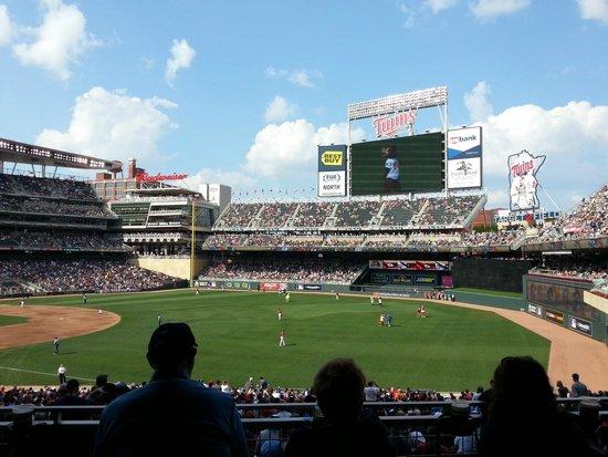 Target Field: vista stadium
