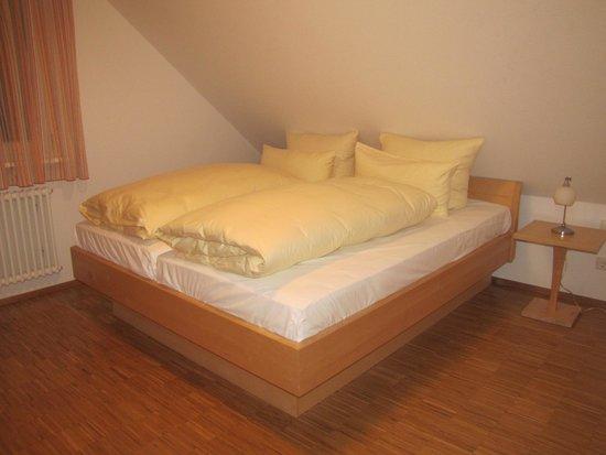 Boutique-Hotel Alemannenhof : master bedroom