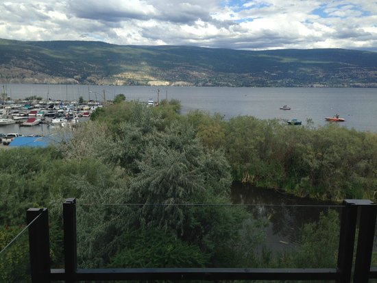 Summerland Waterfront Resort & Spa: Waterfront but direct view of marsh