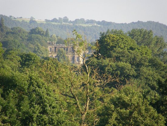 Cavendish Hotel : Chatsworth in the distance