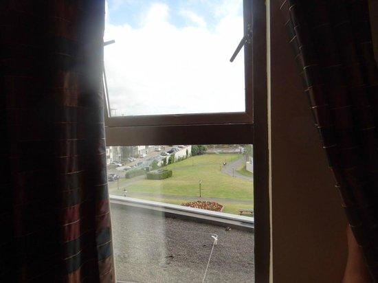 Royal Marine Hotel: Sit-down View 2