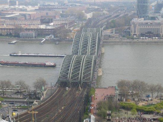 Kölner Dom: Вид на Рейн (фото с площадки Собора)