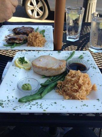 Bridgewater Ocean Fresh Fish House and Zebra Bar: Grilled chicken was great