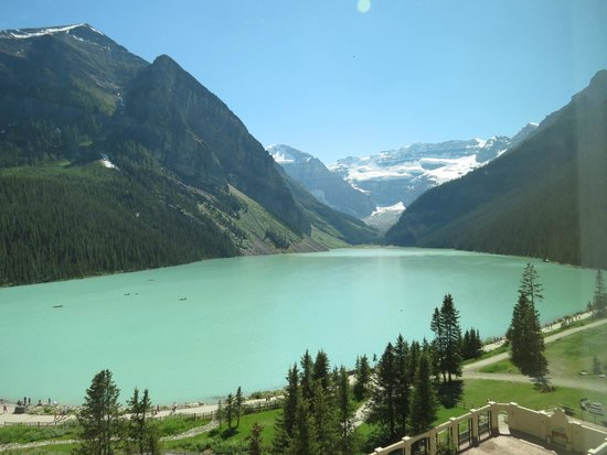 Fairmont Chateau Lake Louise : View from our room