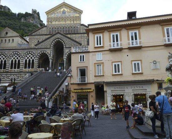 Pasticceria Pansa: Pansa in Piazza Duomo. Amalfi