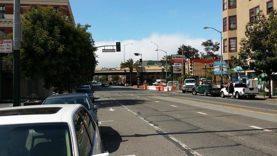 Travelodge San Francisco Central : Travelodge is just near route 101...