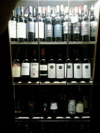 La Grotta della Rana: Vasta scelta di vini