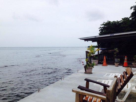 Octopus Garden Hotel & Dive Resort: solarium