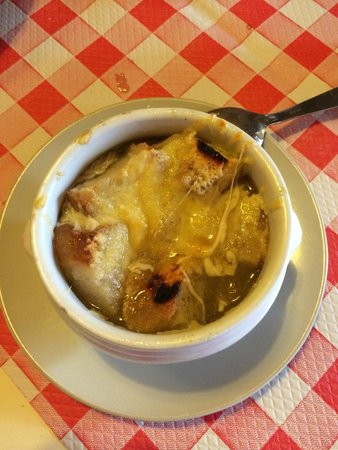 Le Grand Bistrot: French onion soup