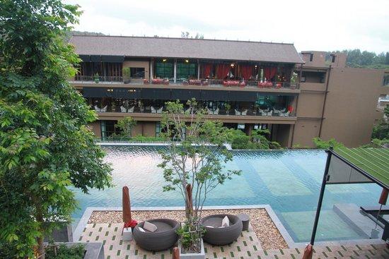 Sunsuri Phuket: up above the pool