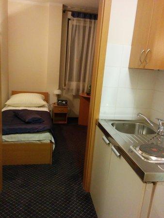 Hotel Hetman : Вход в номер