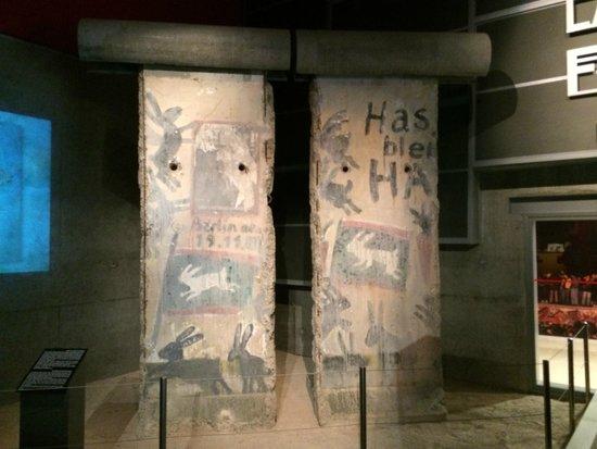 Mémorial de Caen : Memorial 4 (muro Berlín)