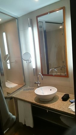 Sofitel Athens Airport : Bathroom
