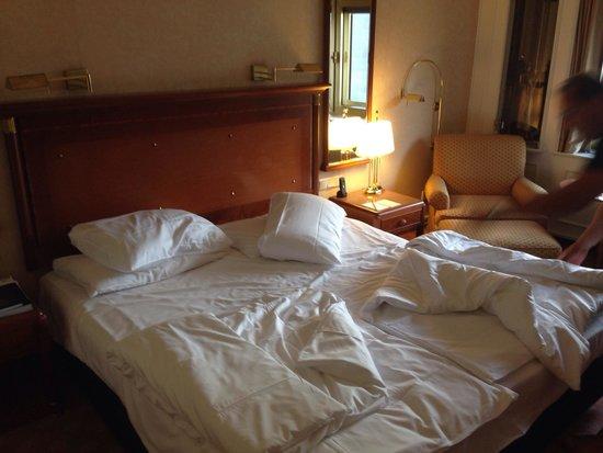 Kempinski Hotel Bristol: Schlafzimmer