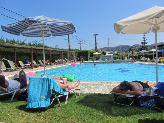 Amaryllis Hotel: Pool Area!
