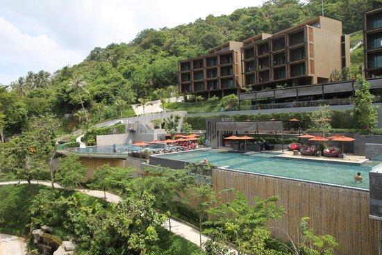Sunsuri Phuket: overview of the pool