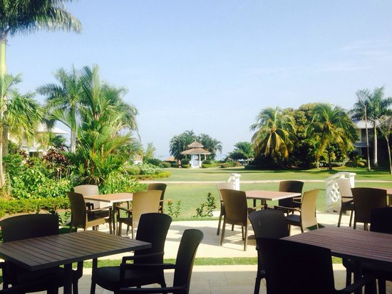 Sunscape Cove Montego Bay: Terrace Dining