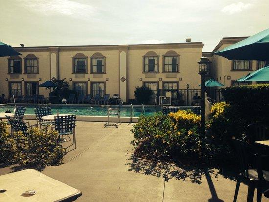 La Quinta Inn Orlando International Drive North: Pool area