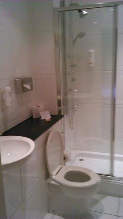 Midland Hotel : Sparkling bathroom
