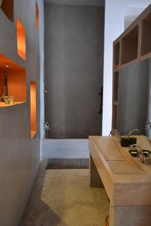Riad Trois Cours: beautiful bathroom