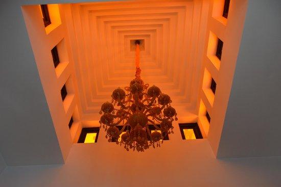 Riad Trois Cours: superb chandelier