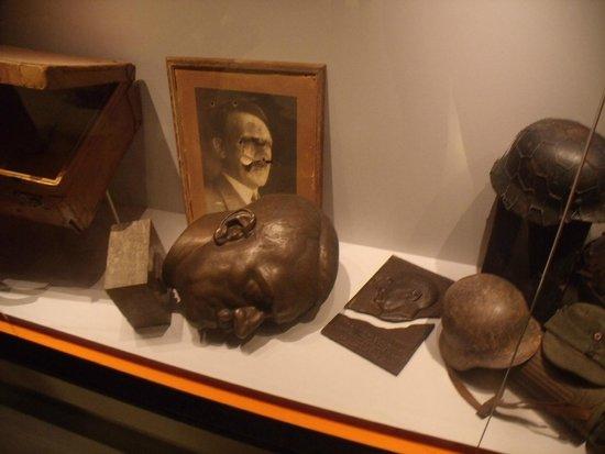 Mémorial de Caen : la chute d'Hitler