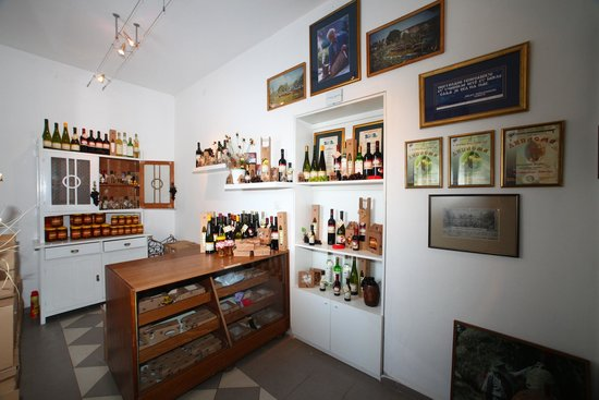 Museum of Beekeeping and Wine Cellar Zivanovic