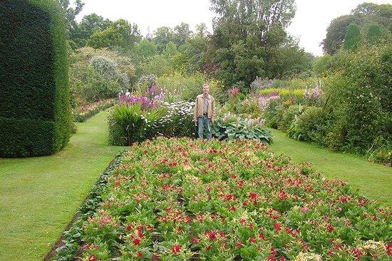 Cawdor Castle: The gardens