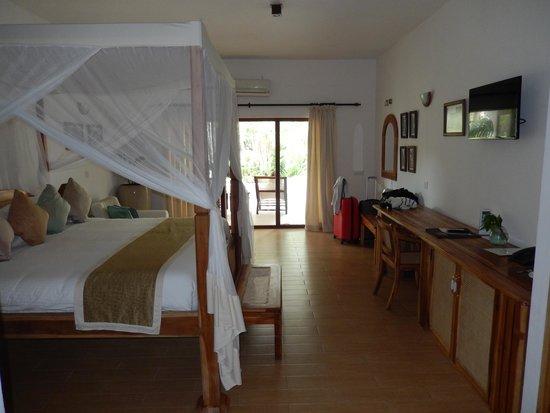Ocean Village Club: Room