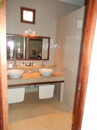 Ocean Village Club: Bathroom