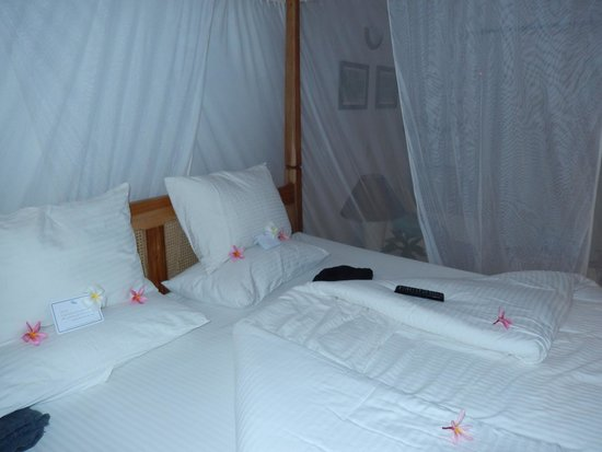 Ocean Village Club: Bed in the evening