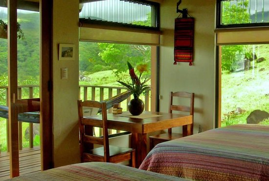 Finca Lilo de Biolley: Inside the Talamanca cabin.