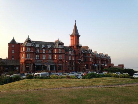 Slieve Donard Resort and Spa: The view from the grounds