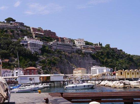Alpha Hotel: View of the grande marina, Sorrento