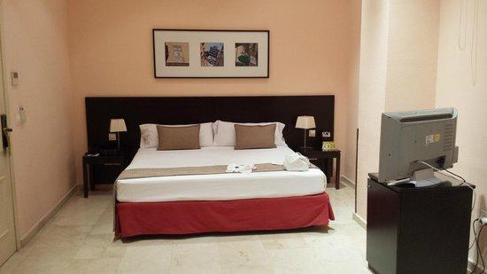 Hotel Exe Suites 33: habitación