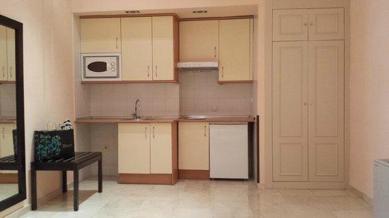Hotel Exe Suites 33: cocina