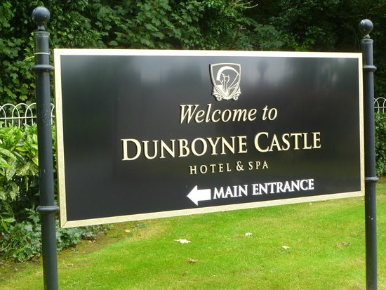 Dunboyne Castle Hotel And Spa: Entrance to Hotel Grounds