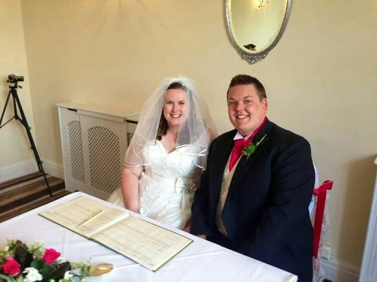 The Southcrest Manor Hotel: Ceremony in the terry room