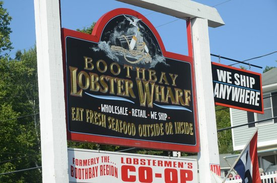 Boothbay Lobster Wharf: Outside view of the restaurant