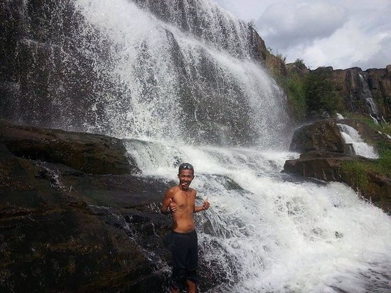 Pongour Falls: Up in pongour