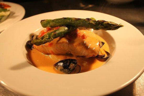 Tigh Giblin: Wild Salmon in a Mussel Cream Sauce