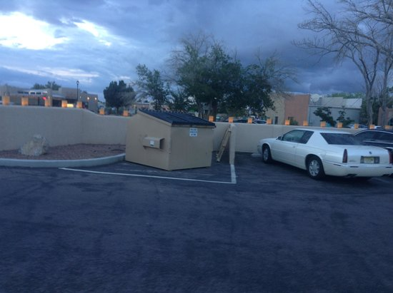 Meson de Mesilla: Dumpster in front parking