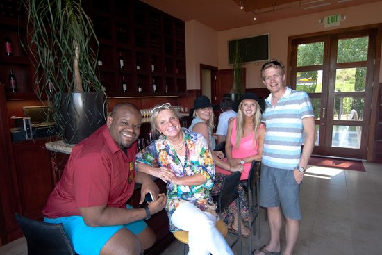 Platypus Wine Tours: Marlene was a great tour guide